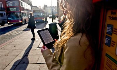 Reading-novels-on-a-Kindl-008